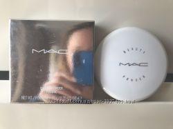 MAC beauty powder snowglobe