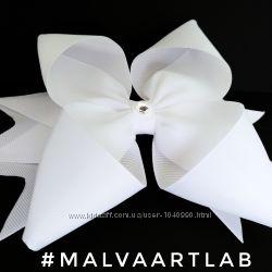 Белые нарядные школьные бантики. Резинки для волос. Подарок школьнице.
