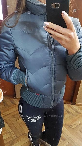 Женская куртка Levi&acutes