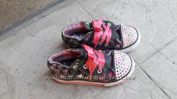 Кеды слипоны на девочку с мигалками на липучках Skechers р. 25, 16. 5 см