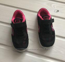 Кроссовки Nike р10 UK 27 евро 17 см