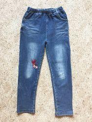 Классные джинсы на 4-6 лет с высокой талией