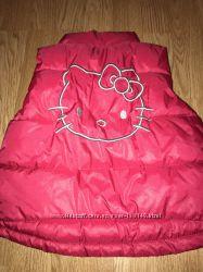 Продам моднявую жилетку H&М Hello Kitty