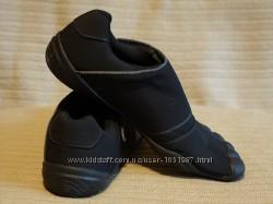 Оригинальные черные фирменные кроссовки Freet 41 Original Aparso 45 р