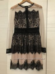 Сукня в кружево
