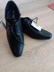 Туфли новые для мальчика