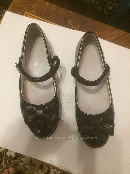 Продажа туфель для девочки