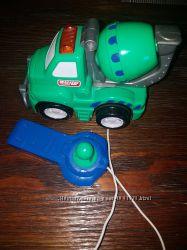 Машинка на пульте управления для малышей