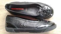 Prada италия кожа туфли девочке черные 29р19см