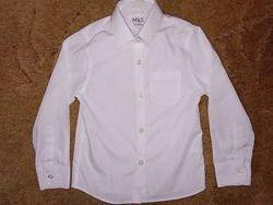 Нарядная белоснежная рубашка для девочки M&S на 4-5лет р. 104-110
