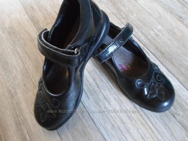 Туфли clarks размер 10, 29-30 светится подошва
