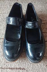 Лакові туфлі Bebo Великобританія, чорні р.38