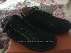 Новые ботинки Chicco