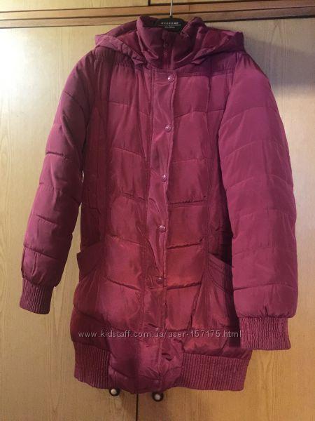 Продам  демисезонную куртку Reserverd на рост 146см.