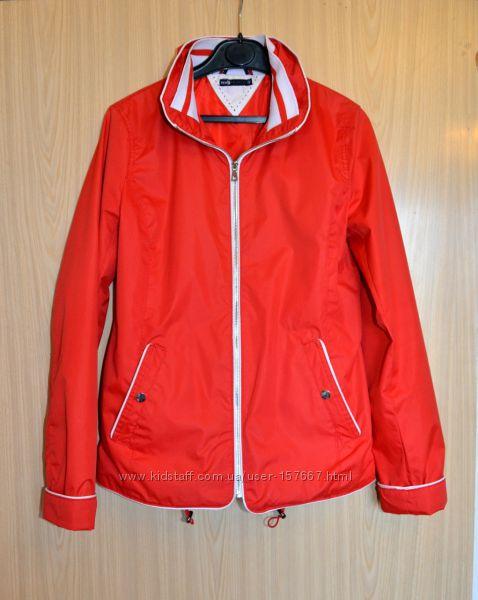 Яркая ветровка Oodji, стильная легкая куртка, размер S, М