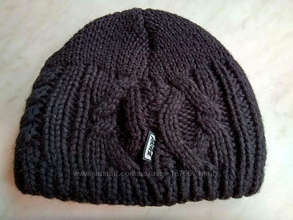 Стильная шапка, теплая черная шапочка в составе шерсть