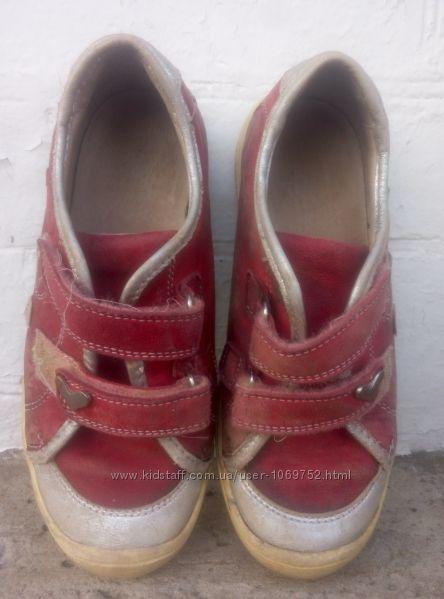 Кроссовки, макасины кожаные