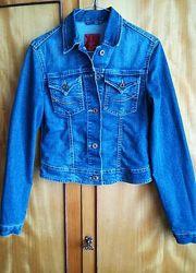 Джинсовая курточка, куртка, пиджак фирмы colin&acutes