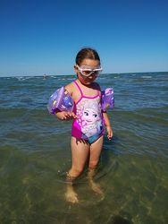 Сдельный купальник фирмы Disney Frozen на 5-8 лет