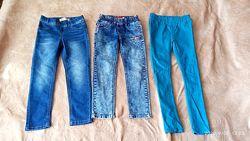 Комплект джинсов на девочку 5-7 лет