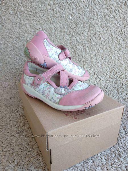 Демисезонные фирменные туфельки на девочку Clarks