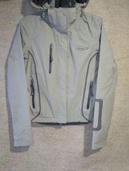 Ветровка, куртка Mountainlife ветро- и водонепроницаемая.