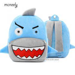 Новый детский плюшевый рюкзак в виде акулы