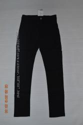 Нові чорні завужені брюки H&M для дівчат розм. 8-9 р. 134 і 9-10 р. 140 в н
