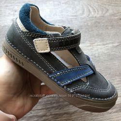 Новые кожаные туфли для мальчика степ супінатор липучки застібки супінатор