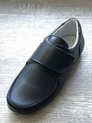 Кожаные НОВЫЕ туфли мокасины для мальчика в школу