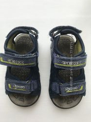 Дитячі сандалі Geox 22 розмір