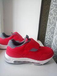 Продам кросівки Lefties 34 розмір