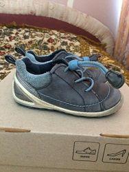 Продам спортивные туфли Ecco