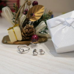 Набор серьги гвоздики и кольцо серебро 925 пробы родированое