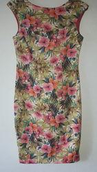 Платье Zara р S