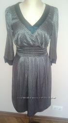 Легкое платье из тонкого шелкового атласа  фирмы BGN