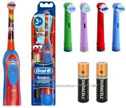 Детская электрическая щетка Oral b Braun DB4 и комплект насадок 4 шт