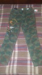 Камуфляжные джинсы GAP