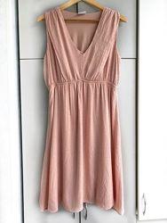 Нежное пудровое платье вискоза l