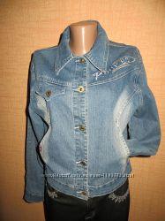 Фирменная джинсовая курточка.