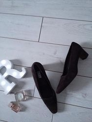Dkny италия замшевые туфли лодочки на среднем каблуке 40-41р