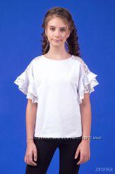 Школьная трикотажная блузка с кружевными рукавами 26-9064