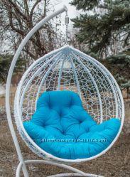 Подвесное кресло качель из ротанга