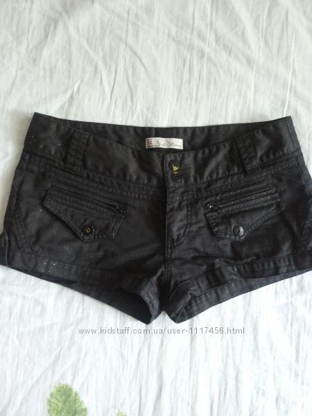 Черные джинсовые котоновые шорты пропитка напыление блесточки  М