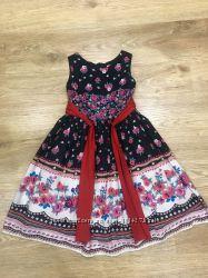 Два фирменных шикарных платья 8-10лет