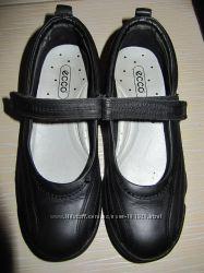 Туфли-балетки на липучках демисезонние в школу для девочки ECCO р33  22см
