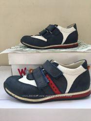 Для девочки обувь 28р кроссовки
