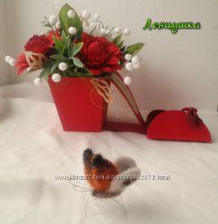 Конфетный букет девушке, подарочный сувенир, туфелька с конфетами