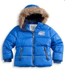 Синяя отличная курточка для мальчишек с C&A, размеры 98, 104