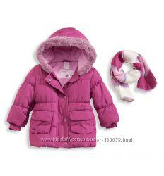 Хорошенькая курточка с шарфиком для малышки с C&A, размер 74